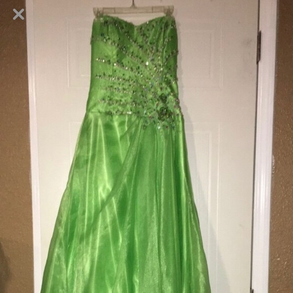 Tiffany Designs Dresses & Skirts - Formal Dress